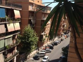 Foto - Bilocale da ristrutturare, quarto piano, Casal Bruciato, Roma