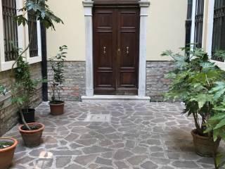 Foto - Trilocale ottimo stato, primo piano, Castello, Venezia