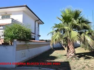 Foto - Villetta a schiera via dei Gelsi 235, Lido Dei Pini, Anzio