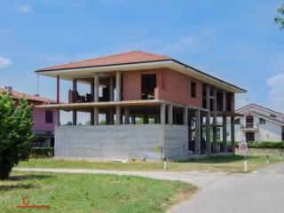 Foto - Palazzo / Stabile due piani, da ristrutturare, Monta'