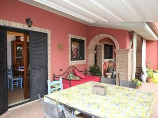 Foto - Casa indipendente via Paradiso, Montopoli di Sabina