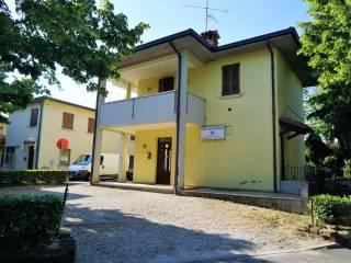 Foto - Palazzo / Stabile via Giuseppe Verdi, Bedizzole