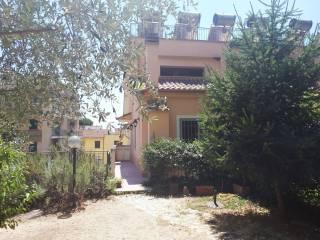 Foto - Trilocale via del Labaro 18, Labaro, Roma