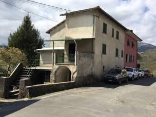 Foto - Casa indipendente piazza San Martino, Cembrano, Maissana