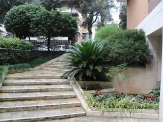 Foto - Quadrilocale ottimo stato, terzo piano, Omboni, Roma