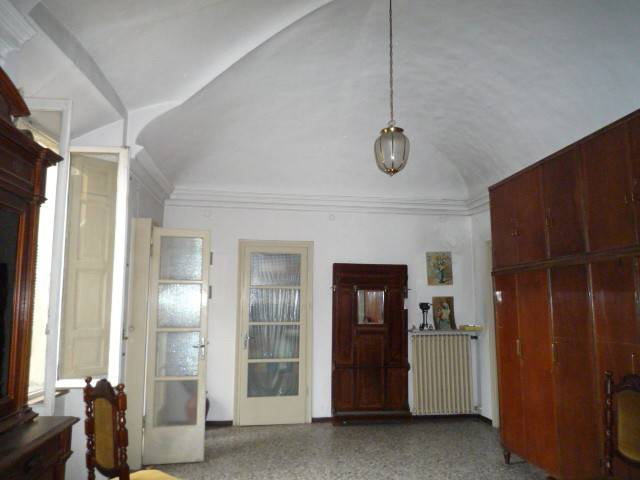 foto  Palazzo / Stabile 570 mq, Piacenza