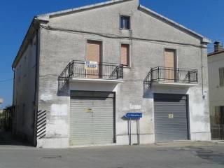 Foto - Palazzo / Stabile, buono stato, Villa San Leonardo, Ortona
