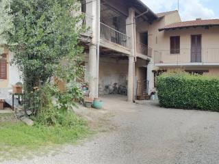 Foto - Trilocale via San Pietro, Turate