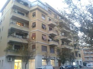 Foto - Bilocale buono stato, terzo piano, Villa Lais, Roma