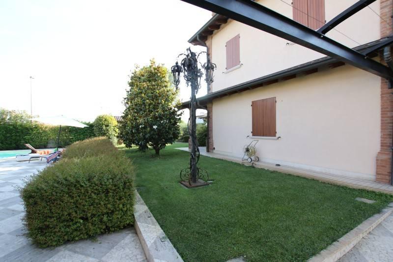 foto  Single family villa, excellent condition, 641 sq.m., Borgo Mantovano