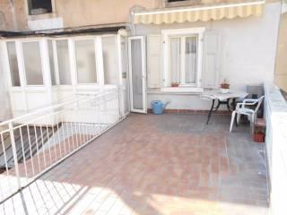 Foto - Trilocale da ristrutturare, secondo piano, Riva Del Garda