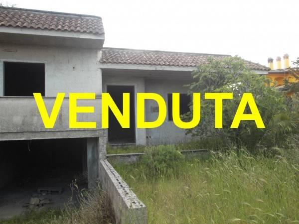 Villa in vendita a Campi Salentina, 5 locali, prezzo € 75.000   Cambio Casa.it