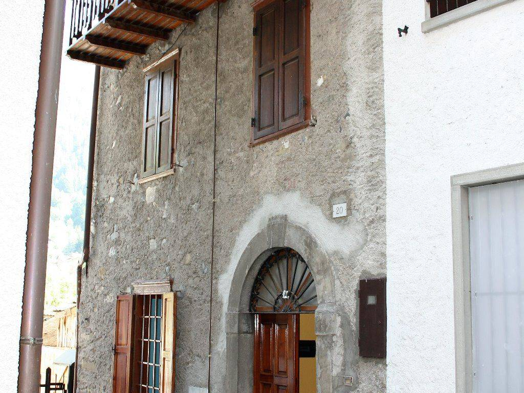 foto  Single-family townhouse via Serta 20, Schilpario