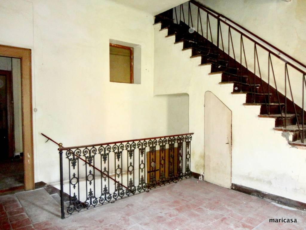 foto scala interna Stabile / Palazzo in Vendita a Ferrara