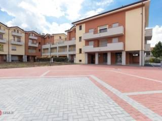 Foto - Trilocale nuovo, ultimo piano, Saronno