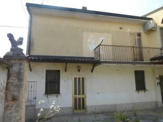 Foto - Casa indipendente 150 mq, buono stato, Le Valli, Castelleone