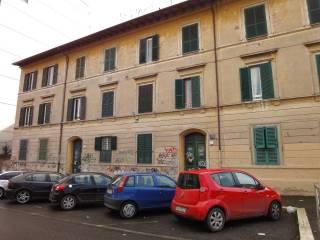Foto - Trilocale via Lorenzo da Pietrasanta 8, Garbatella, Roma