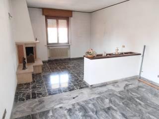Foto - Quadrilocale buono stato, ultimo piano, Albano Sant'Alessandro