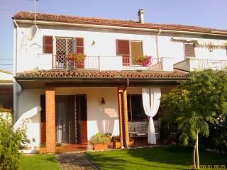 Foto - Villa via Giuseppe Garibaldi, Lomello