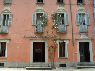 Foto - Palazzo / Stabile tre piani, buono stato, Vogogna