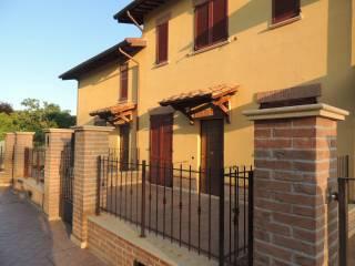 Foto - Villetta a schiera 5 locali, nuova, Canneto, Perugia