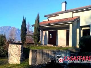 Foto - Villa 160 mq, Imberido, Oggiono