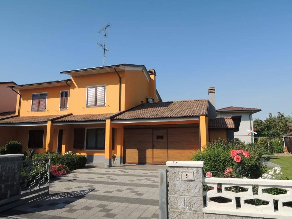 foto esterno Villa unifamiliare, ottimo stato, 215 mq, Villanova sull'Arda