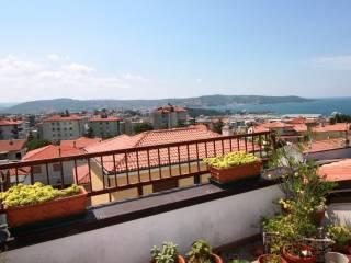 Foto - Trilocale buono stato, secondo piano, Maddalena, Trieste