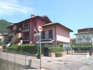 Foto - Box / Garage via Gaetano Donizetti 2-B, Sarnico