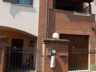 Foto - Villetta a schiera 3 locali, nuova, Galliate