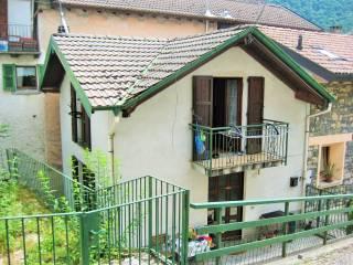 Foto - Casa indipendente via Selvetta, Schignano