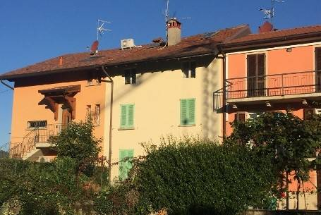 foto vista esterna Casa indipendente via San Carlo 4, Caprino Bergamasco