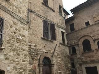 Foto - Trilocale via Mattioli, Centro Storico, Perugia