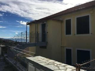 Foto - Appartamento ottimo stato, terzo piano, Cogoleto