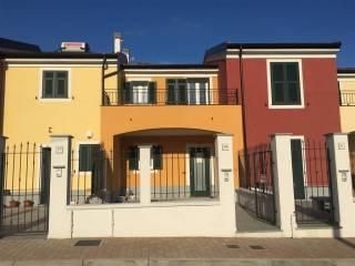 Foto - Villetta a schiera 5 locali, nuova, Cogoleto
