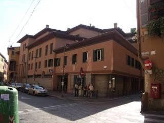Foto - Quadrilocale ottimo stato, primo piano, Centro Storico, Bologna