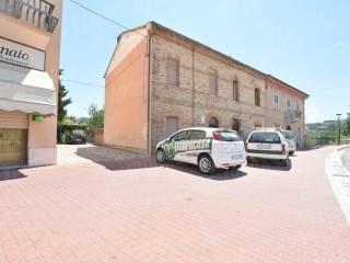 Foto - Villetta a schiera 5 locali, buono stato, Belforte Del Chienti