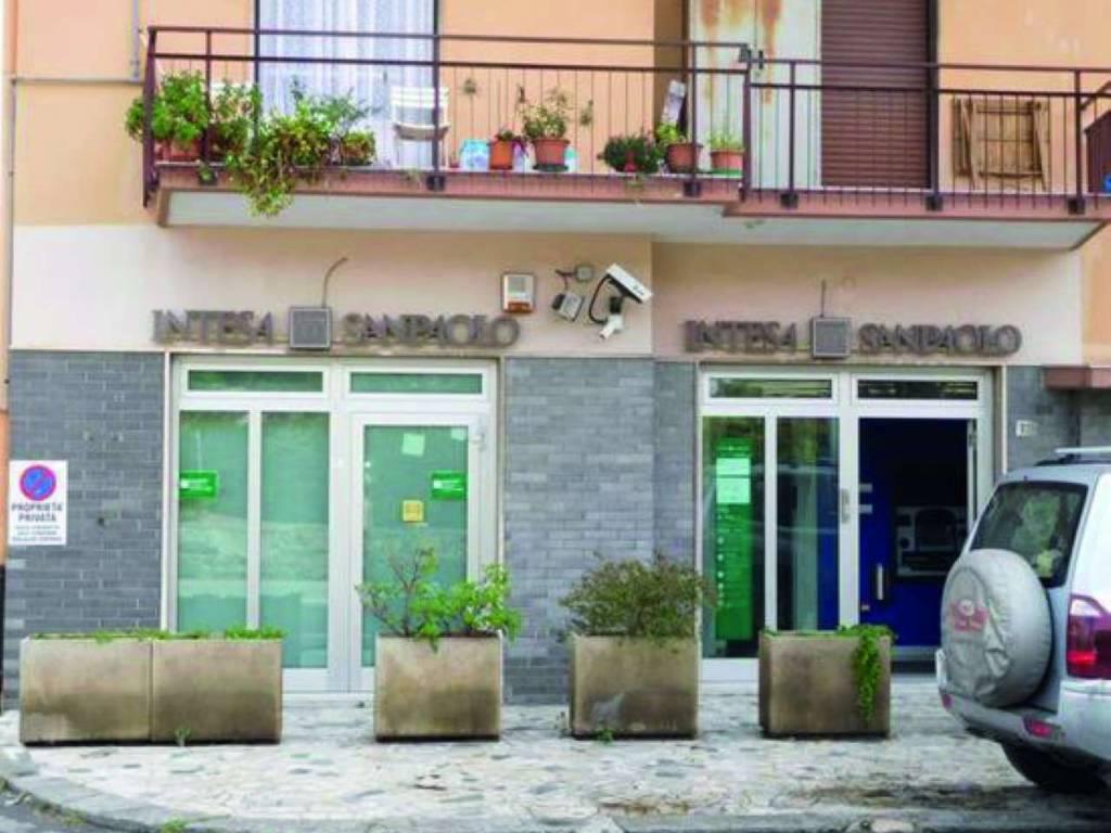 foto fronte Filiale bancaria in Vendita a Riva Ligure