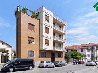 Foto - Bilocale buono stato, primo piano, Borgo Po, Torino
