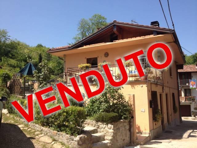 Appartamento in vendita a Azzate, 3 locali, prezzo € 125.000 | Cambio Casa.it