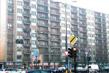 foto  Bilocale ottimo stato, terzo piano, Torino