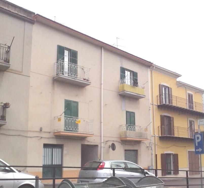foto  Bilocale via Roma, San Cataldo