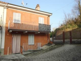 Foto - Casa indipendente via dei Martiri, Camagna Monferrato