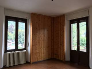 Foto - Trilocale buono stato, primo piano, Tirano