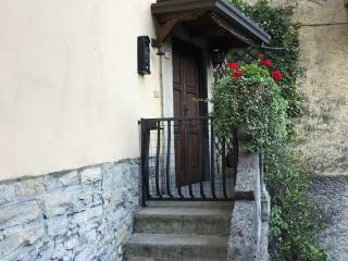 Foto - Casa indipendente via Vittorio Veneto, Carate Urio