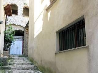 Foto - Casa indipendente piazza Camillo Benso di Cavour, Lenola