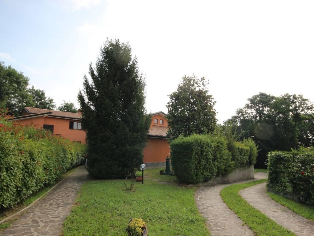 foto  Villa, buono stato, 268 mq, Olgiate Molgora