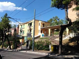 Foto - Trilocale via Madonna della Misericordia 94, Madonna Della Misericordia, Chieti