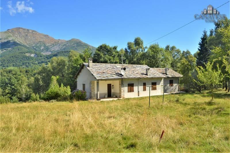 foto esterno Two-family villa Strada Provinciale della Valchiusella, Valchiusa