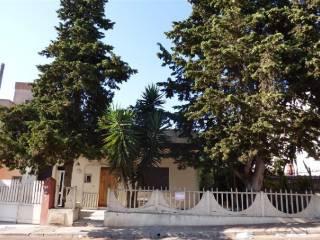 Foto - Casa indipendente 255 mq, buono stato, Casarano
